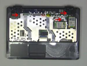 Unplug the palmrest cables.